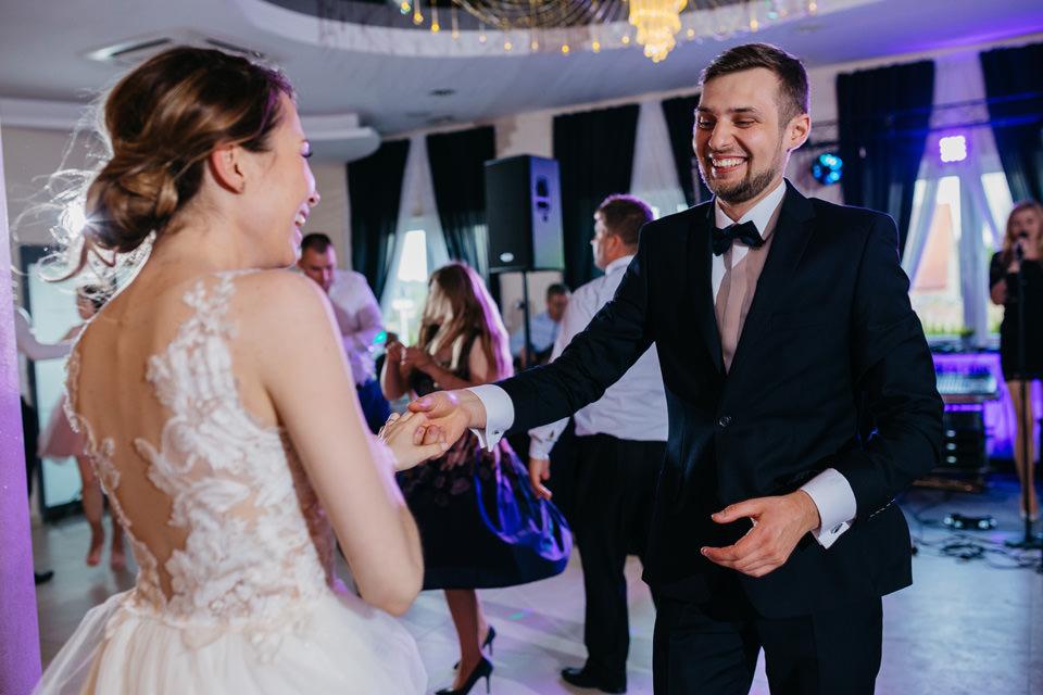 fotograf na wesele 079 - Karolina i Paweł / Gościniec pod Lasem